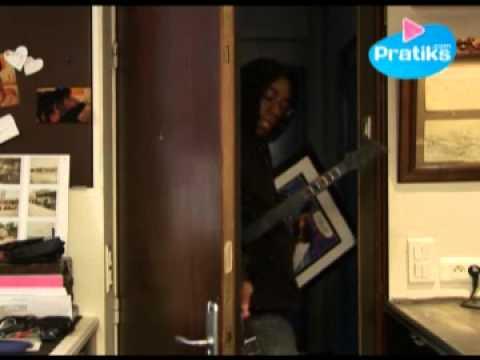 verrouiller sa porte double tour pour se prot ger des cambrioleurs youtube. Black Bedroom Furniture Sets. Home Design Ideas
