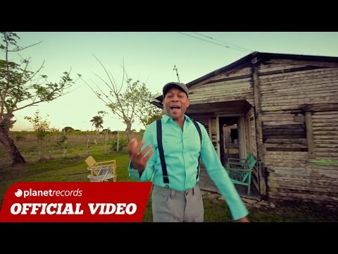 PAKOLE - Le Hace Falta Un Beso (Official Video HD)