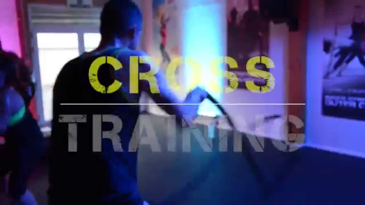 Seance De Cross Training A La Salle De Sport Magic Fitness A