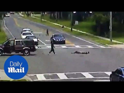 WiLD Feed - Disturbing Moment Person Falls Out Of Moving SUV On Florida Road