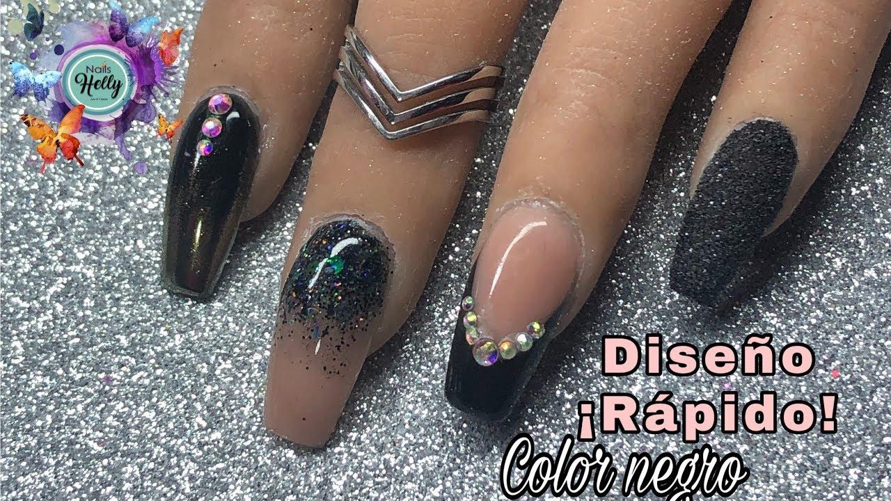 Diseño De Uñas Color Negro Rápido Y Elegante