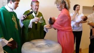 Split - Žnjan: Krštenje petog i šestog djeteta u obiteljima Punoš i Višić