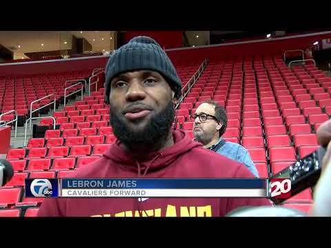 8d90f1acd37 LeBron James pokes at Michigan before Ohio State game - YouTube