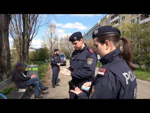 Corona: Verbotene Tests, Polizei, Kerzen an der Pestsäule / krone.tv Reportage