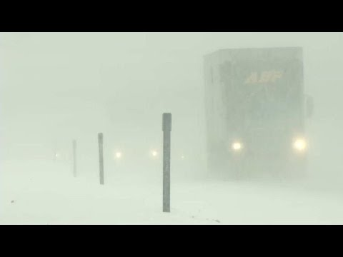 Snowstorm bears down on northeastern United States