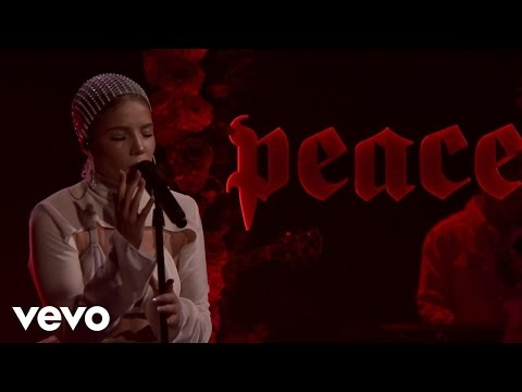 Halsey - Now Or Never (Live On The Tonight Show With Jimmy Fallon)