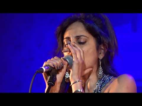 Yasmin Hamdan - Cafe - Live @ Schmidt Theater, Hamburg - 09/2017
