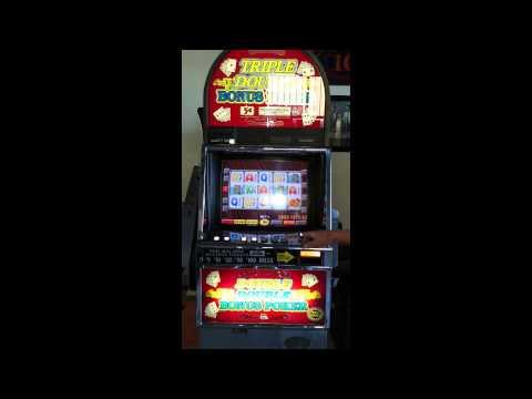 1998 Game King Triple Double Bonus Video Poker Machine