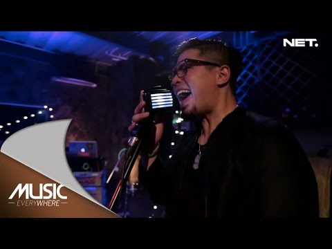 Winky and Evan feat Bams - Bento (Iwan Fals Cover) - Music Everywhere