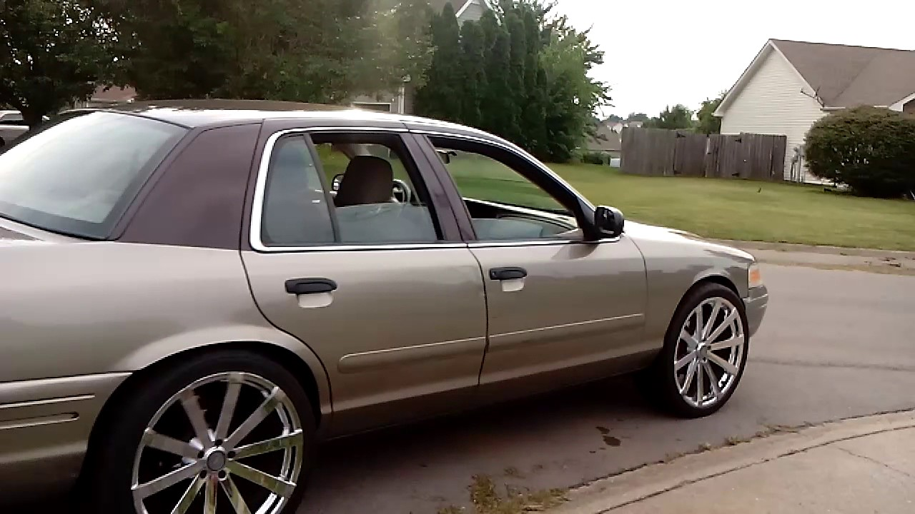22 Inch Rims On Crown Vic Riding In My Hood Youtube