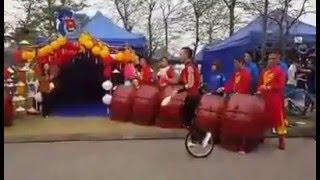 Màn biểu diễn xe đạp một bánh bá đạo tại Hội trại Thanh niên - Circus One Wheeled Bicycle in Vietnam