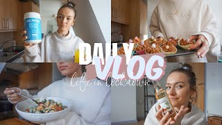 LOCKDOWN IN LONDON VLOG: What I'm Up To, Baking Mini Egg Cakes & Trying Not To Be Bored   Amesbanks