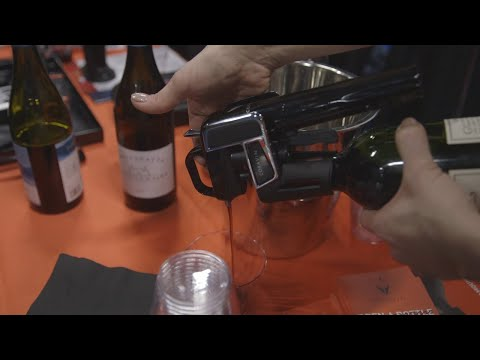 Download Youtube: This wine opener lets you pour a glass without uncorking