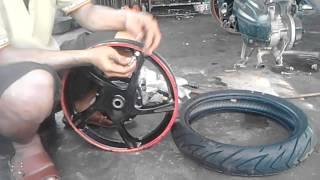 Tutorial Cara Pasang Pentil Tubless dan Ban Tubless Motor Secara Manual