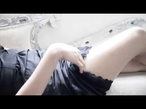 ▶ Geliat DJ Yasmin Mengenakan Lingerie Misterius   YouTube 360p