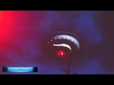 AWESTRUCK! MASSIVE UFO FLYING SAUCER! HOLOGRAPHIC PROJECTION!? Share This Before Its SHUT DOWN! 2016