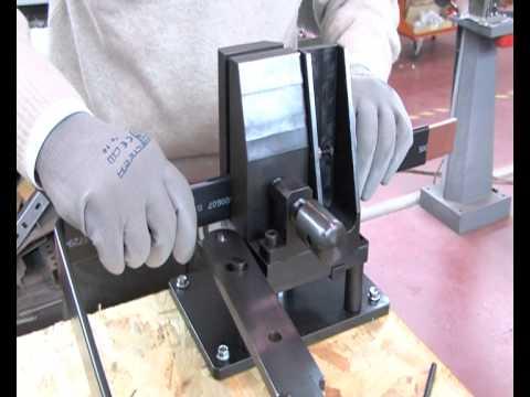 Quadri Elettrici: Utensile Piegabarre e Torcibarre Manuale per Barre Flessibili