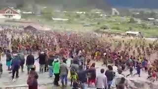 Video Heboh..!! Perang Suku Di PAPUA download MP3, 3GP, MP4, WEBM, AVI, FLV September 2018
