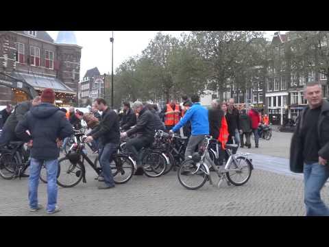 Start Solex Tour Nieuwmarkt Amsterdam