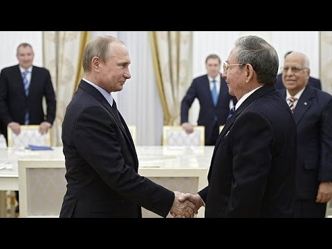 Castro meets Putin in Moscow