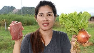 Awesome Cooking Beef With Lettuce & Onions Recipe - Cook Beef Recipes -  Village Food Factory