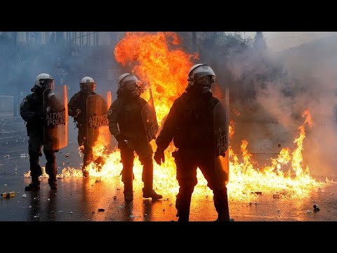 الشرطة اليونانية تطلق الغاز المسيل للدموع على محتجين في أثينا…  - نشر قبل 2 ساعة