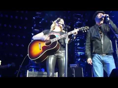 "Sheryl Crow & Kid Rock - ""Picture"" LIVE @ ""We're all for the Hall"" (16 Apr 2013)"