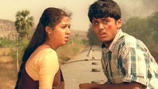 Jayam Movie || Gopichand Try to Catch Sada & Nitin in Train Action Scene || Nitin & Sadha