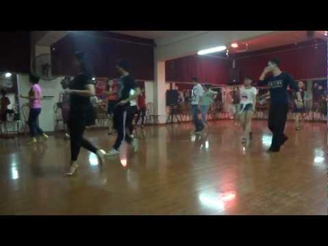 GIAO LƯU DISCO 2013 HỌC KHIÊU VŨ CƠ BẢN IDC CLUB 3-5-CN HÀNG TUẦN HÀ NỘI