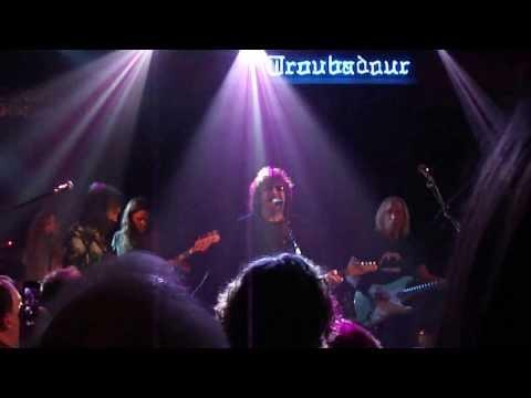 Jeff Lynne, Mike Campbell, Joe Walsh, Benmont Tench - Runaway (Merry Minstrel Circus, December 2013)