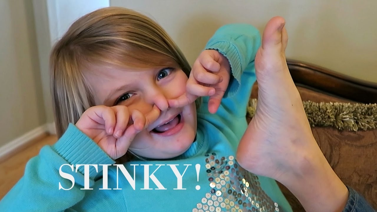 STINKY FEET!👣 - YouTube