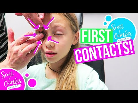GETTING CONTACTS!! BRAYLER CAN'T GET THEM OUT!! | Scott and Camber