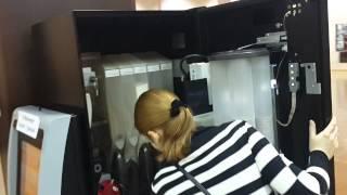 Как работает автомат кофе Ven изнутри. Кофейный автомат Azkoyen City Le(Как работает автомат кофе Ven изнутри. Кофейный автомат Azkoyen City Le Установка и обслуживание кофейных автомато..., 2014-12-25T17:11:40.000Z)