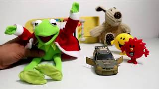 Kermit the Frog from sesame street surprise Christmas gifts for kids funny songs