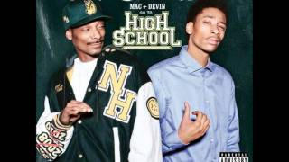 Snoop Dogg Ft. Wiz Khalifa - World Class