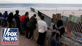 migrant-caravan-groups-begin-arriving-at-us-border