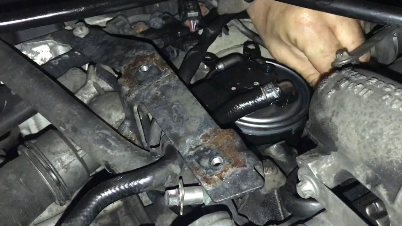 how to change a diesel fuel filter on 2007 2018 3 0 v6 mercedes sprinter zimaleta [ 1280 x 720 Pixel ]