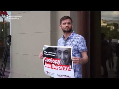 Russian Journalists Protest Deportation of Gay Uzbek Reporter