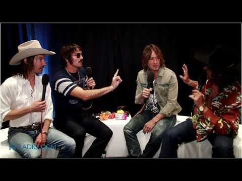 EXCLUSIVE: Keith Urban and Midland Smell Each Other Backstage at the ACM Awards