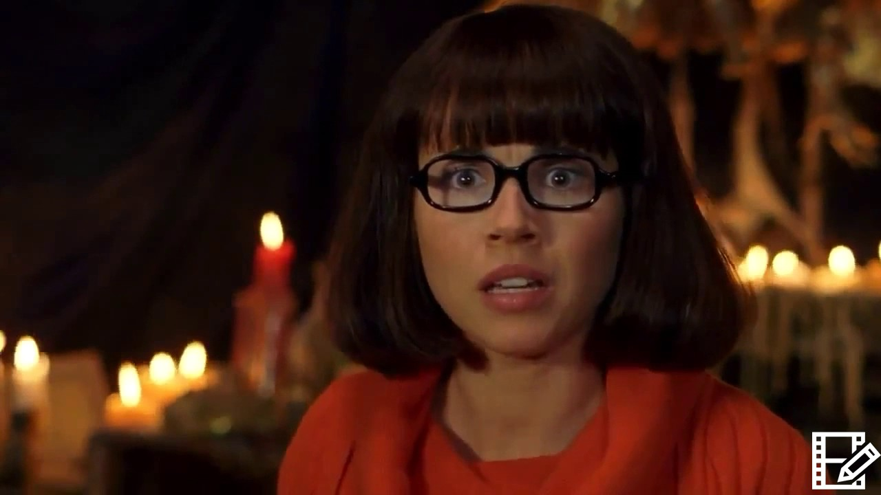 Scooby 2 2004 Velma loses her glasses 👓 - YouTube