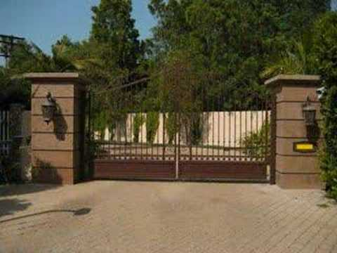 Miley Cyrus's House (LA) and Other Sights Of Toluca Lake