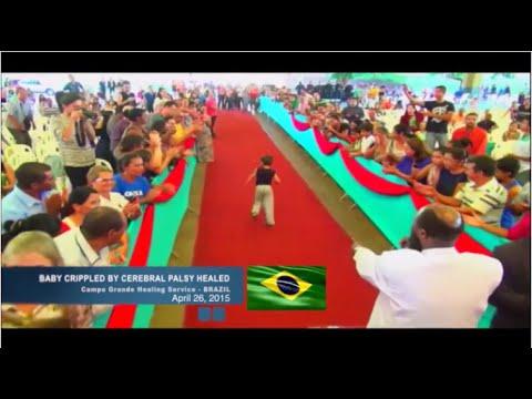 Baixar AO VIVO NO BRASIL! CRIANÇA PARALÍTICA LEVANTA E ANDA!!! David Owuor no Brasil