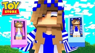 THE LITTLE CARLY DOLL BECOMES A HUMAN! (Minecraft Toystore).