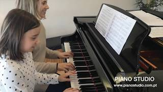 Hada toca Land of Hope and Glory - Duetos do Piano Studio
