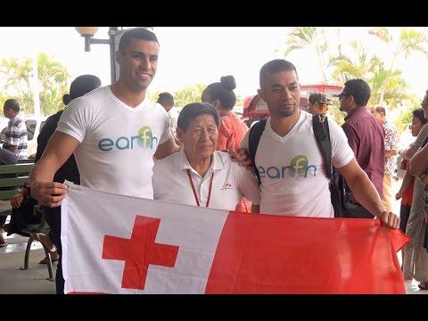 Pita Taufatofua / Arrival at Tonga Airport