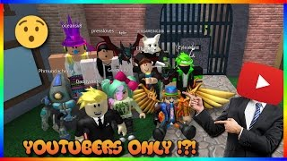 SO MANY YOUTUBERS!!! (Roblox Youtuber Murder Mystery 2 Lobby)