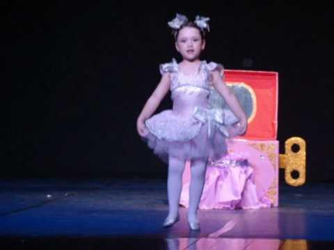 07523dfce0 A Bailarina da Caixinha de Música - Yasmin Franklin - YouTube
