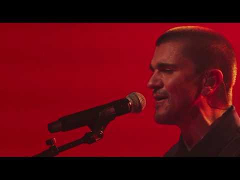 Juanes - Me Enamora (En Vivo) [HD]