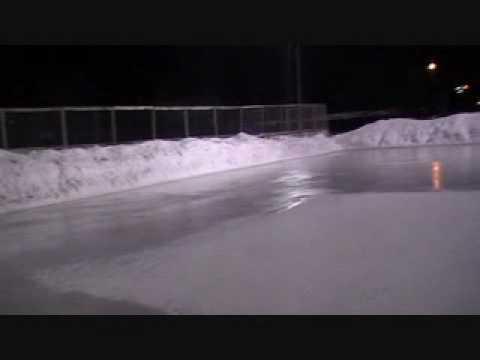 Comment faire une patinoire ext rieure parti youtube for Patinoire exterieur