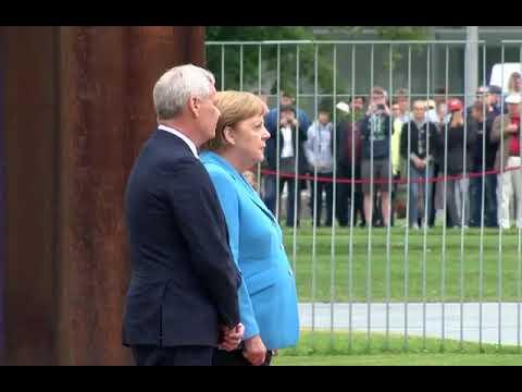 Ангелп Меркель в третий раз за месяц испытала на публике приступ дрожи